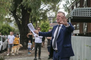 Melbourne's median auction price up $100,000 in a year