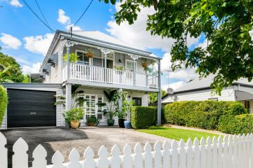 Cottage goes for more than $1 million in hot Brisbane auction weekend