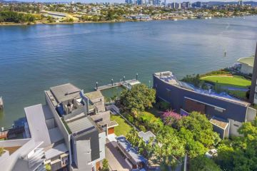 This buyer made $500k profit on a Brisbane mansion without owning it