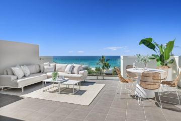 Grant Hackett's luxury beachfront villa snapped up in five days for $2.625m