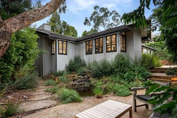 Rare Burley Griffin house in Toorak hits the Melbourne market