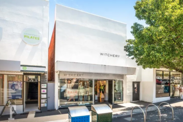 Burke Road shop sells for $1m above reserve