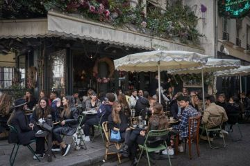 Auckland eyes up Paris-style street dining, as experts predict 'long-term' restrictions