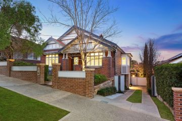 Haberfield house soars $2.02 million above reserve at hot auction