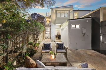 Young musician drops $3.242m on Erskineville terrace at auction