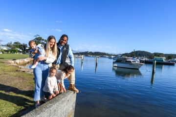 'It's getting hysterical': Sydney renters pay top dollar to live near beaches