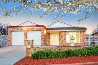 Amaroo home passes in at $870,000 but sells soon after