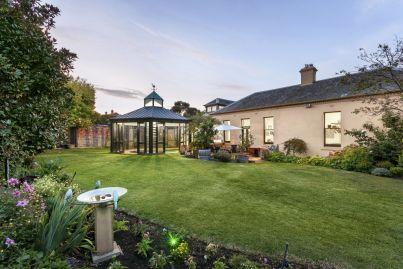 Historic manor hits Essendon's prestige market