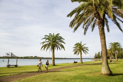 'Beaconsof hope': The rise of regional Australia