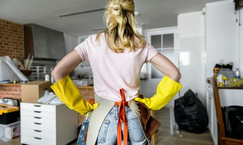Do you really need a professional cleaner to get your bond back?