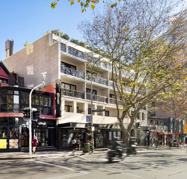 Potts Point apartment owners band together in effort to woo developers