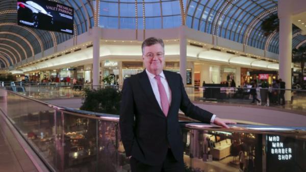 Shopping mall landlord Vicinity pulls guidance