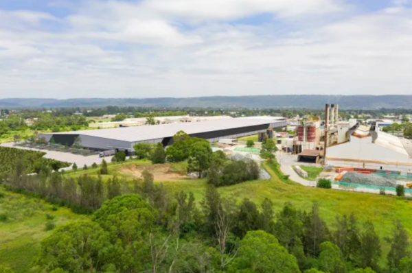 Buxton scion to build $80m mega shed for US glass bottle maker