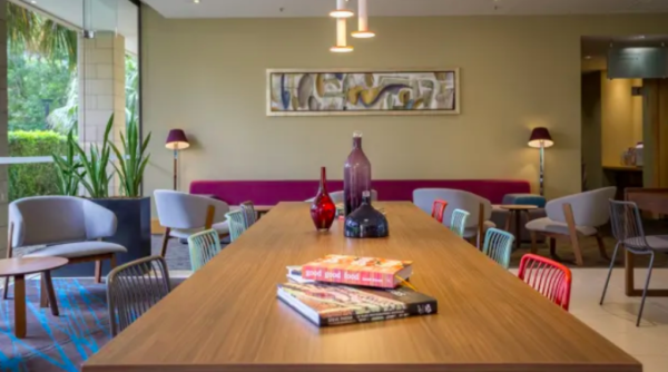 Free coworking spaces to liven up hotel lobbies