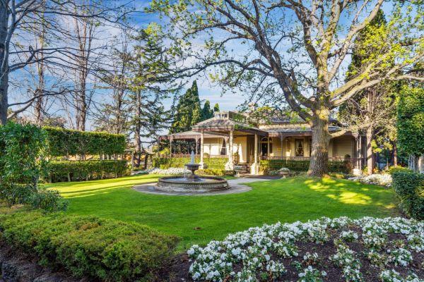 Longtime reception centre Ascot House could become Melbourne
