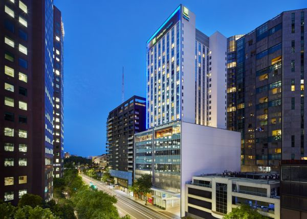 New Holiday Inn Express in Melbourne