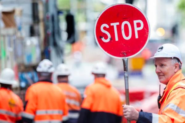 Building site shutdowns would spark a $2 billion monthly stoush