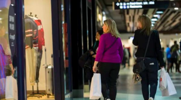 Follow the feet: small malls do better