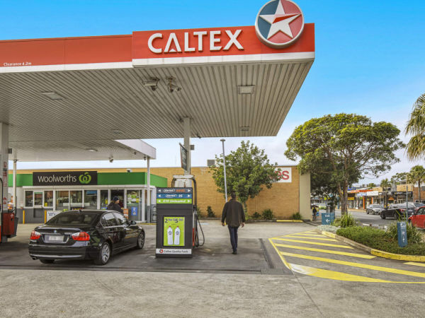 Investors flocking to hard-to-get commercial properties at auction