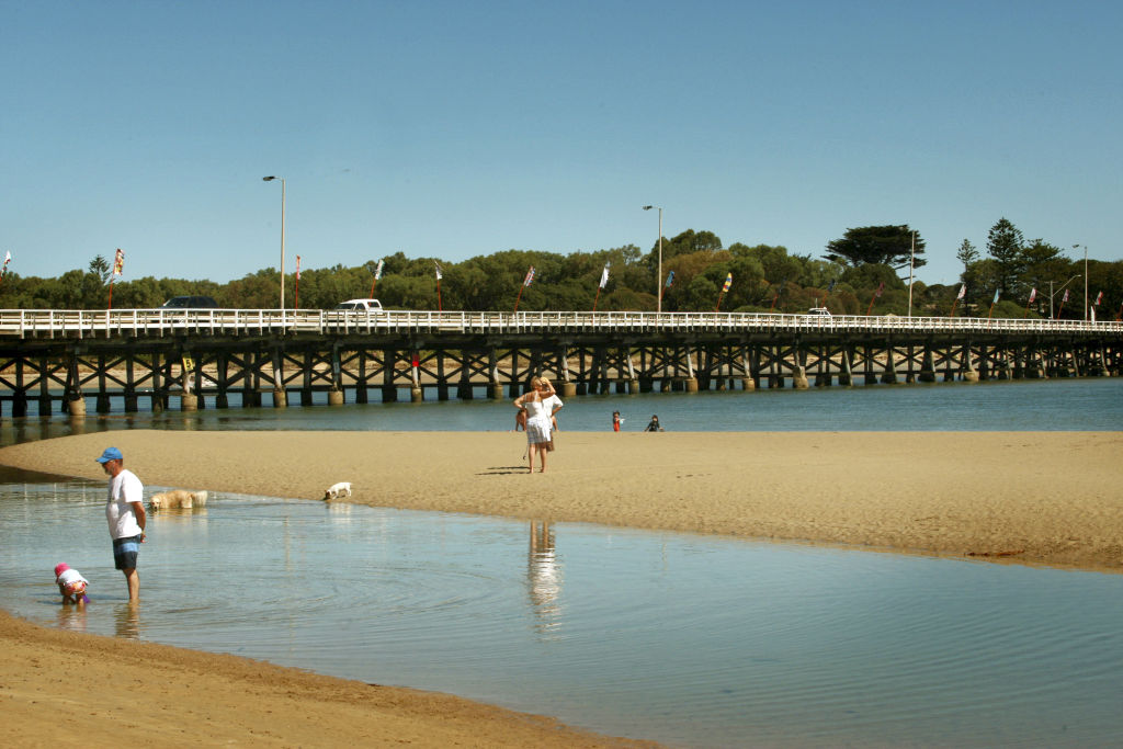 Barwon_Heads_pic_taken_2009_by_John_Woudstra_for_The_Age_rkpxi3