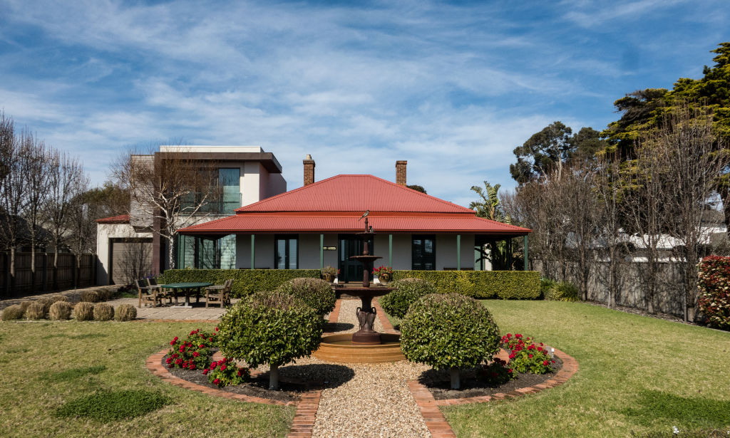 An example of the beautiful homes in Mount Eliza.  Photo: Leigh Henningham.