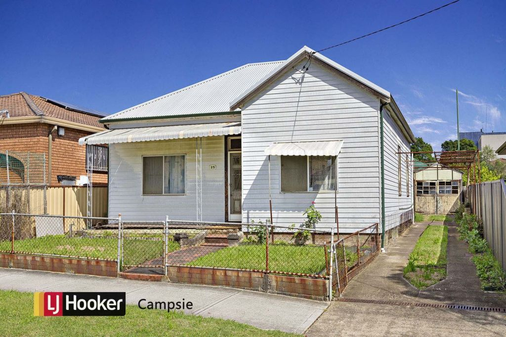 25 Browning Street, Campsie, when it sold in 2017.