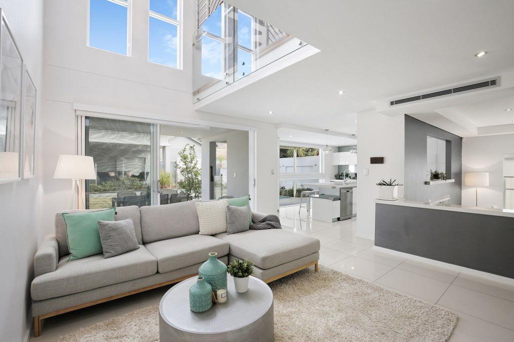 3 Renown Avenue Oatley NSW Low res