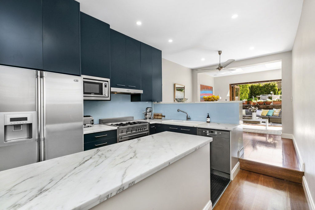 37 Mill Hill Road Bondi Junction NSW Low res