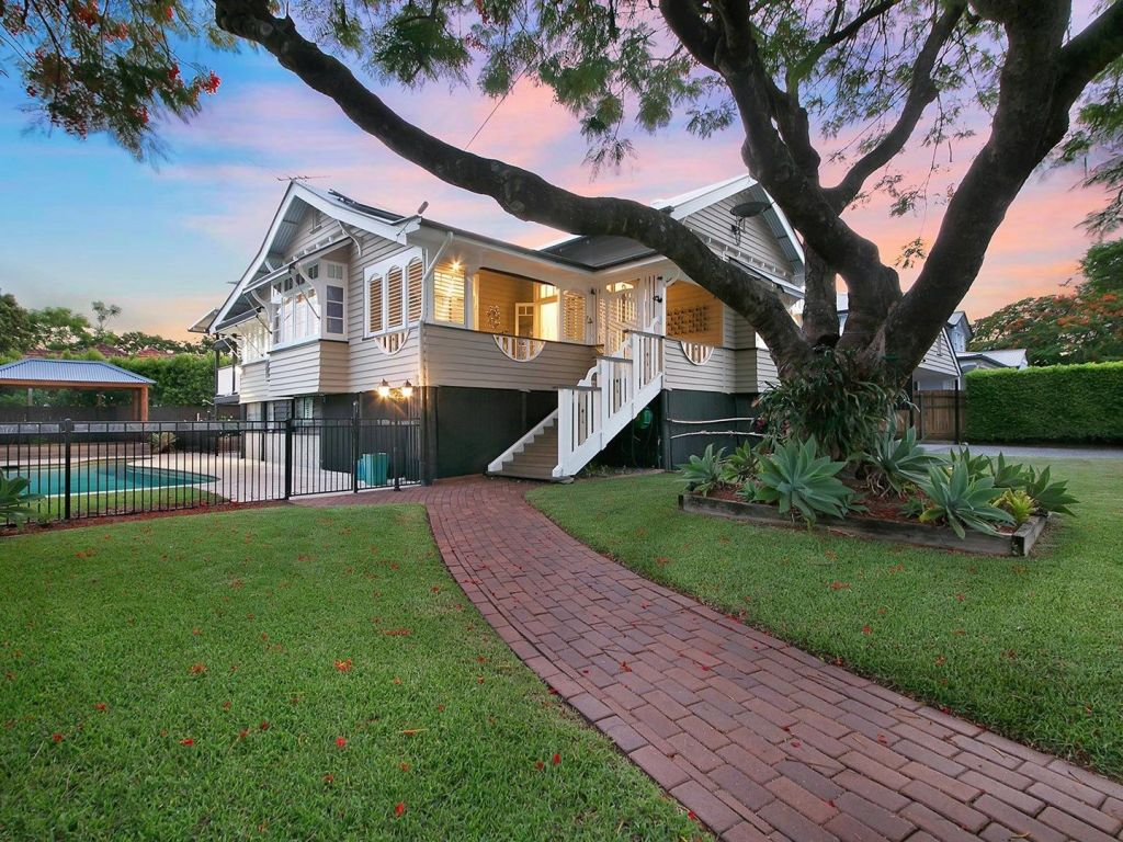 48_Kew_Road_Graceville._Photo_Place_Graceville_dr2hqx
