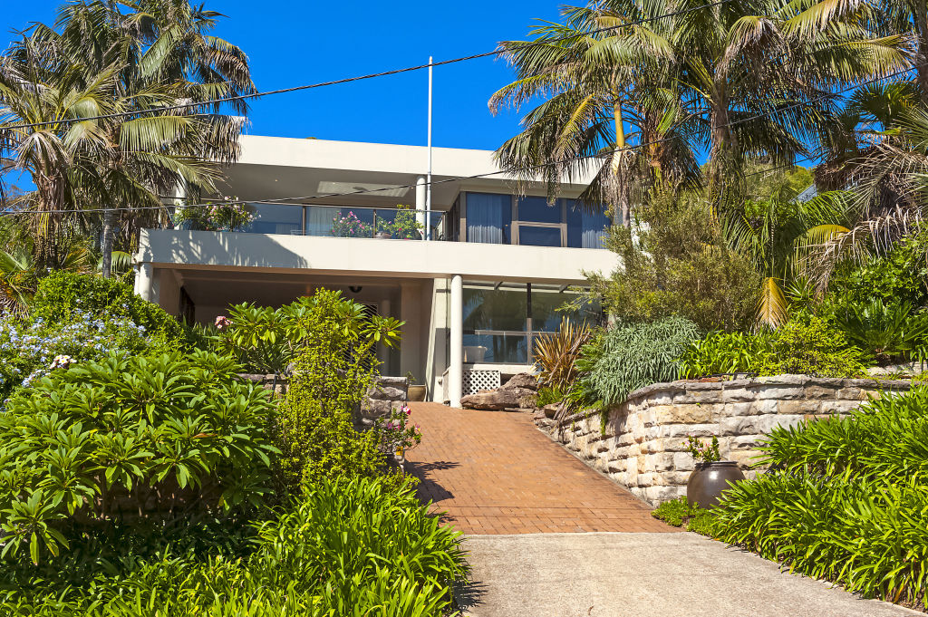 Maile Carnegie bought 7 Malo Road Whale Beach