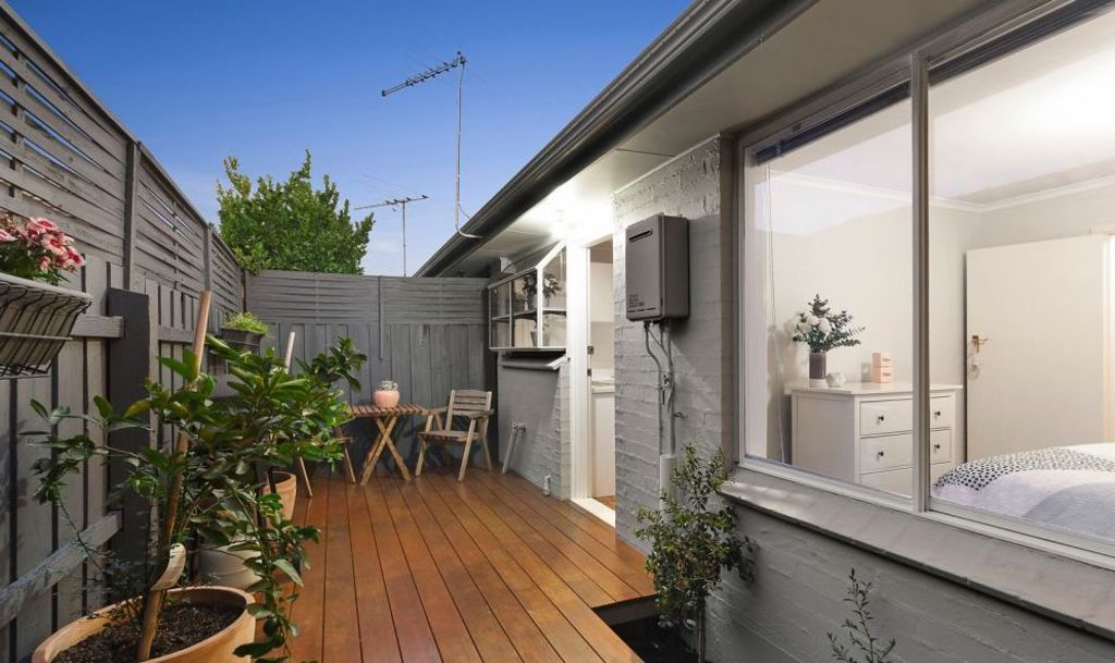 The compact villa featured a low-maintenance outdoor area.
