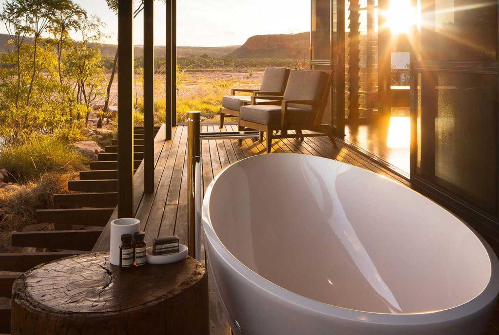 Outdoor_Bath_1_ehpzyg