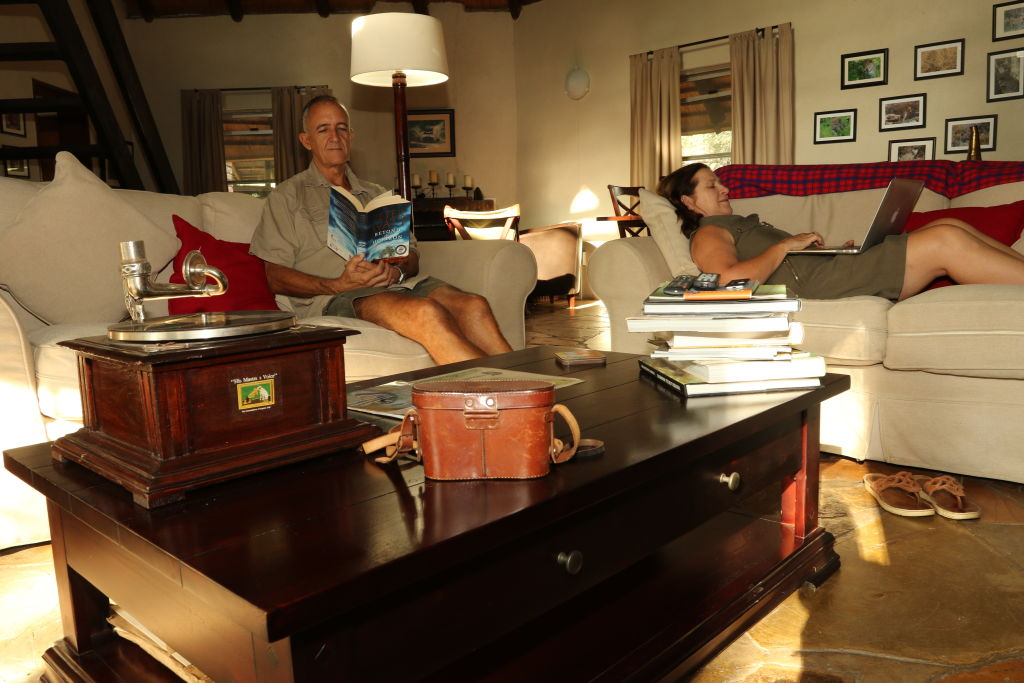 Tony_and_Nicola_inside_their_home_in_South_Africa_xhfv2b