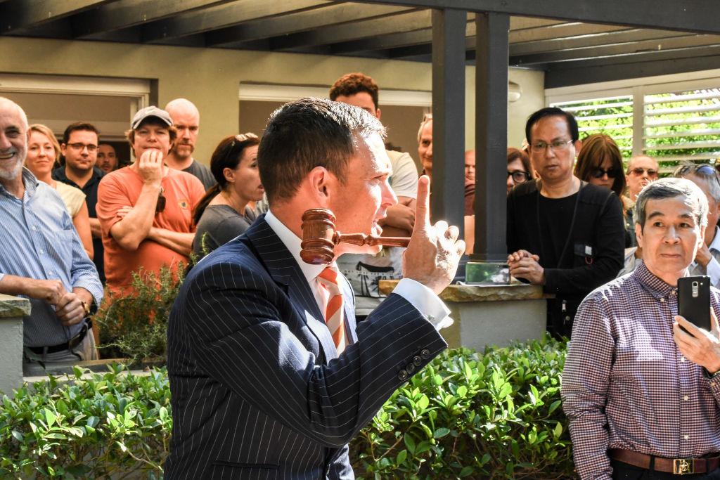 Auctioneer Damien Cooley