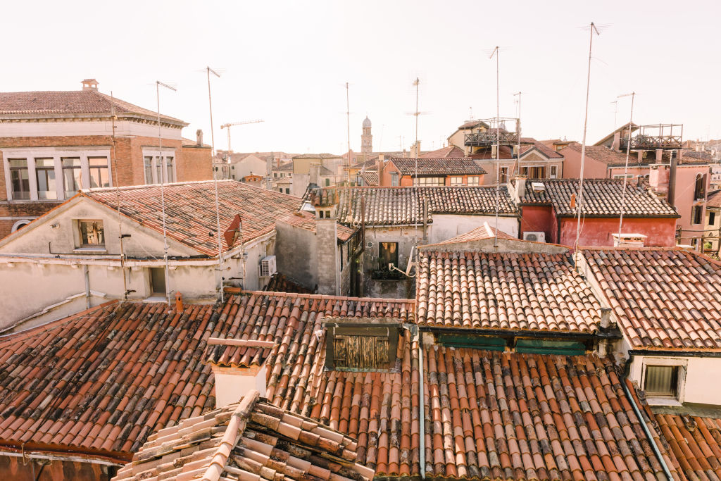 Roofs_from_Elena_s_terrace_pilroo