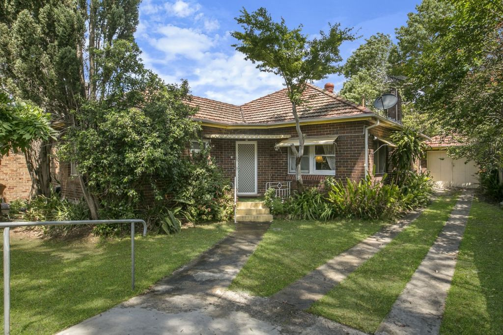If the front garden is overgrown, buyers won't be able to see the true potential of the home.