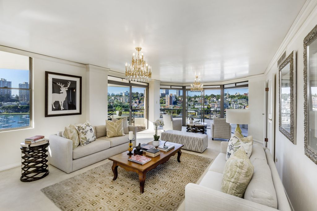 The peak of Sydney's auction market was a $4,175,000 waterfront unit sale in Elizabeth Bay.