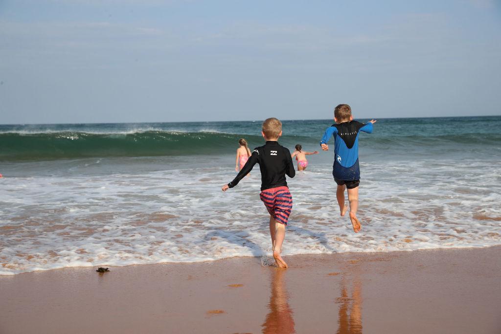 Children at Bilgola Beach