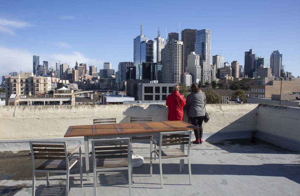 Melbourne auctions: One-bedroom East Melbourne dump soars