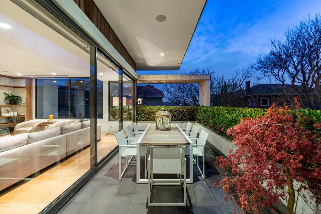 Penthouse at 14 Chatsworth Avenue Brighton VIC