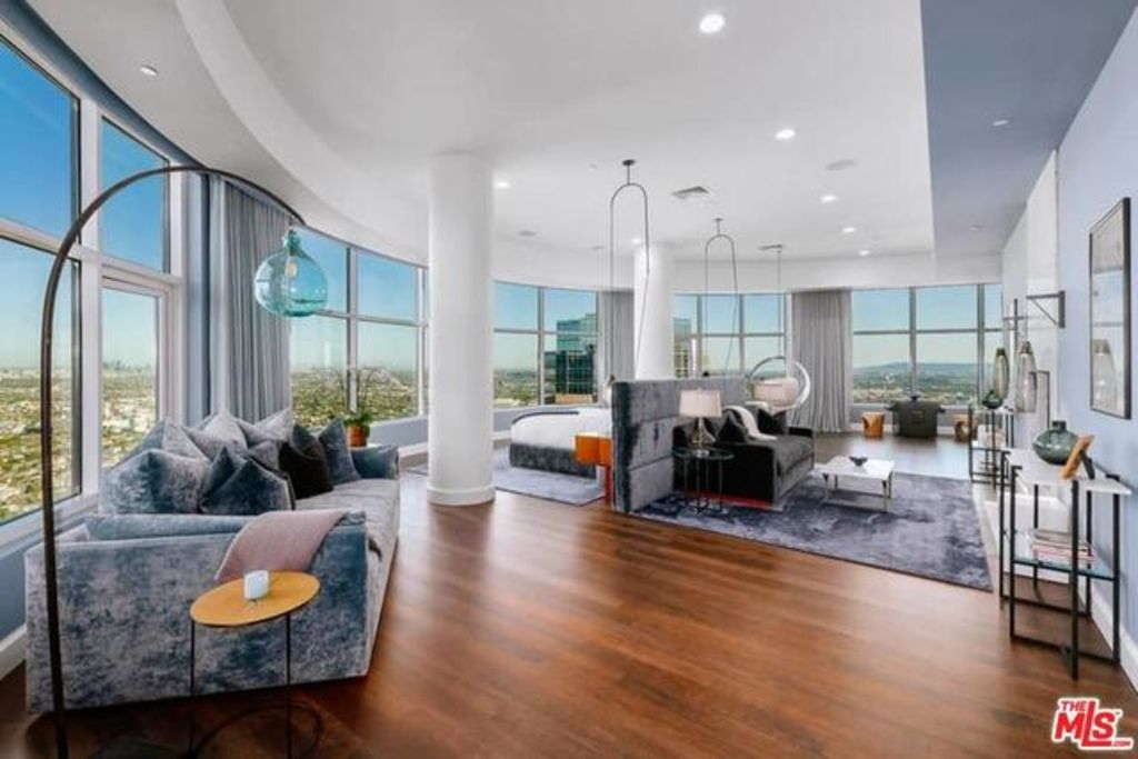 The penthouse on level 40 of 1 West Century Drive, being sold by actor Matthew Perry.