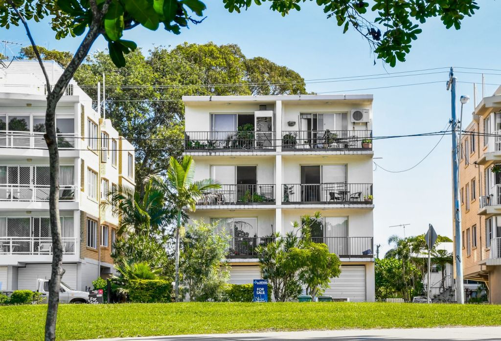 4/59 Esplanade, Golden Beach QLD.