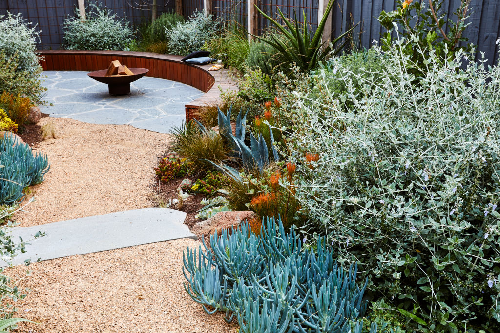 Torquay Garden by Phillip Withers Landscape Design NOT FOR REUSE