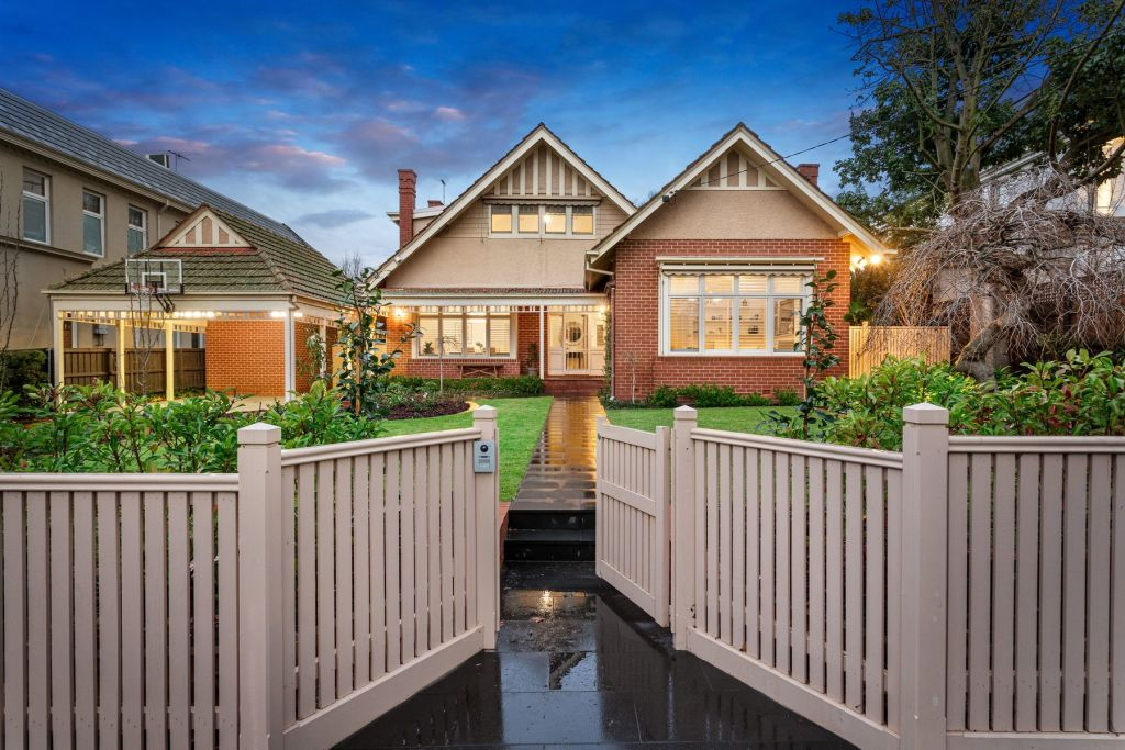 Bidding was competitive at 26 Edward St, Kew, where a 150-strong crowd was in attendance.