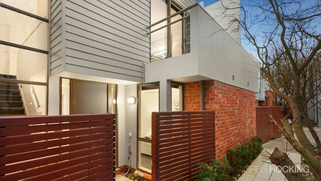 A number of factors influenced the $1.1 million sale at 17/97-101 Cruikshank St, Port Melbourne.