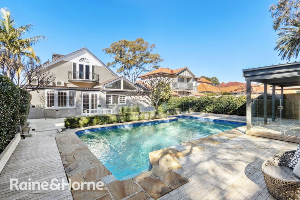 42 Duntroon Avenue, Roseville had a slow battle to take the property over the line for $2.956 million.