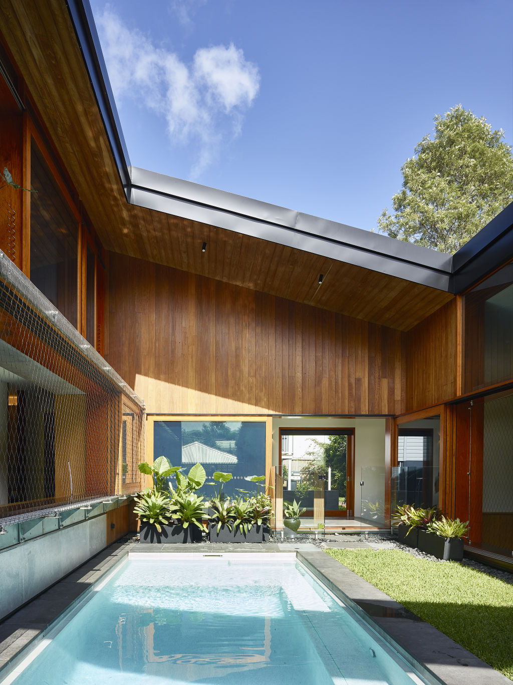 Bramston Residence (Brisbane, Australia), by KIRK.