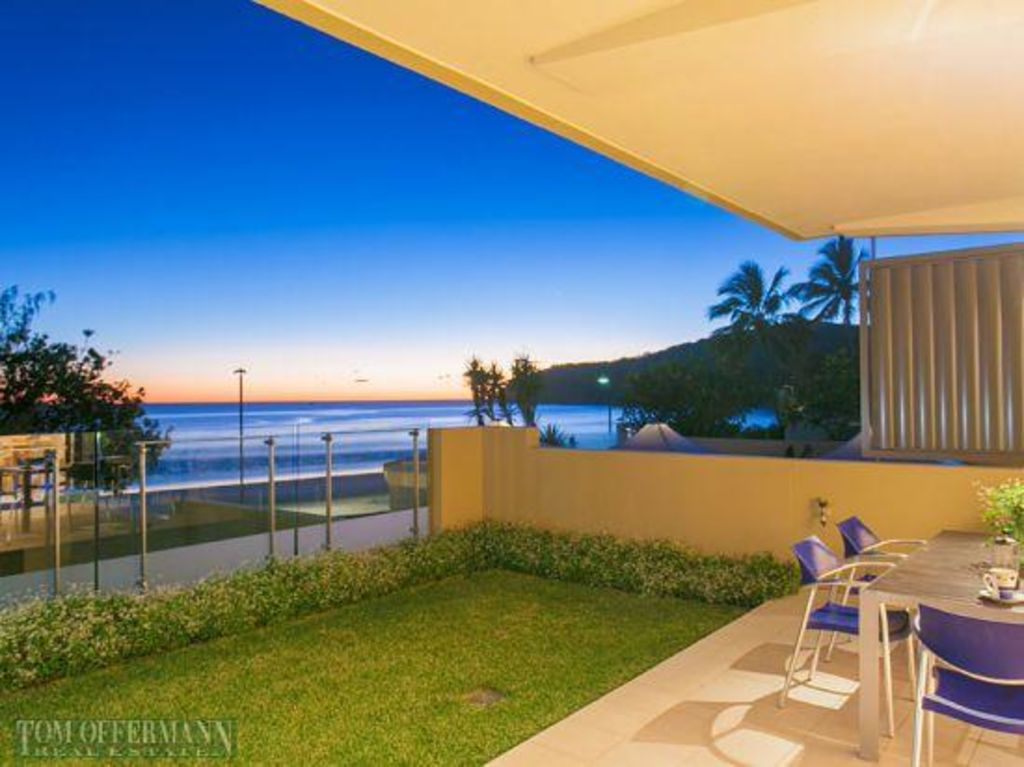 1_23_Hastings_St_Noosa_heads_v7ditw