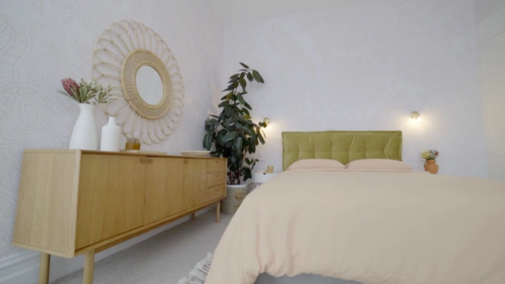 block-andy-deb-bedroom3_mujmzl