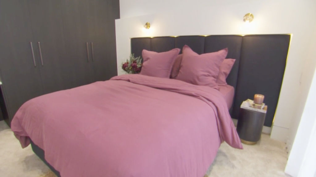 block-jesse-mel-bedroom_prvgw6